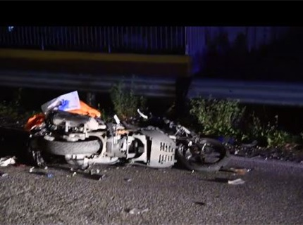-Video- Grave incidente sull'ex statale 525: scontro tra moto ed auto